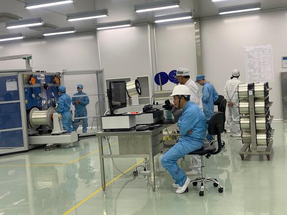 Việt Nam có nhà máy sản xuất sợi quang đầu tiên của Đông Nam Á - Ảnh 1.