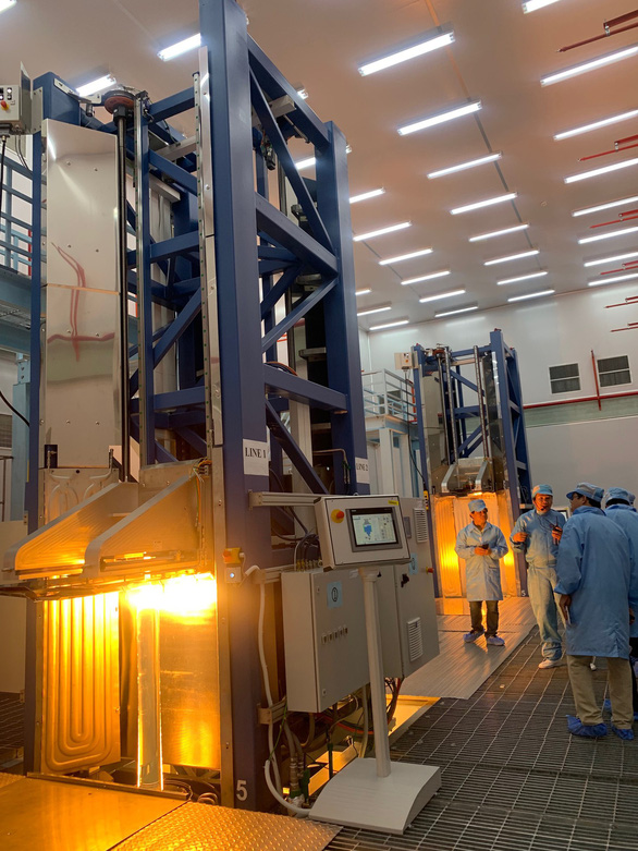 Việt Nam có nhà máy sản xuất sợi quang đầu tiên của Đông Nam Á - Ảnh 2.