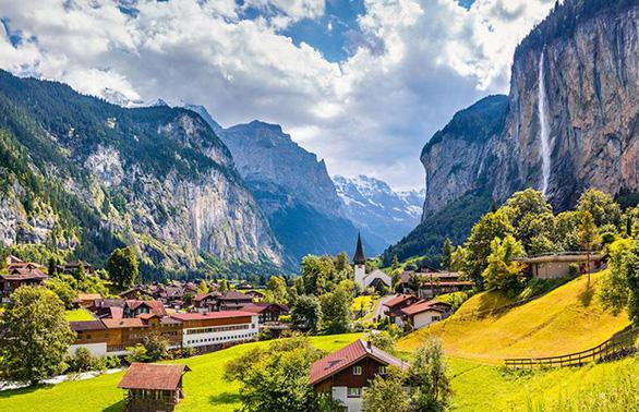 Tour khám phá mùa thu Thụy Sĩ, Đức, Áo, Hungary, Bratislava - Ảnh 2.