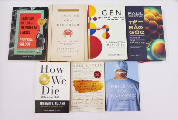 Sách về bệnh ung thư:  Không thể lờ đi nỗi đau của xã hội - Ảnh 1.