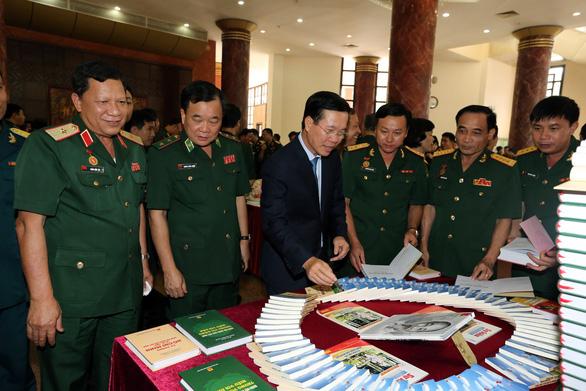Hình ảnh 'Bộ đội Cụ Hồ' là biểu tượng cao đẹp, độc đáo riêng của quân đội Việt Nam - Ảnh 2.