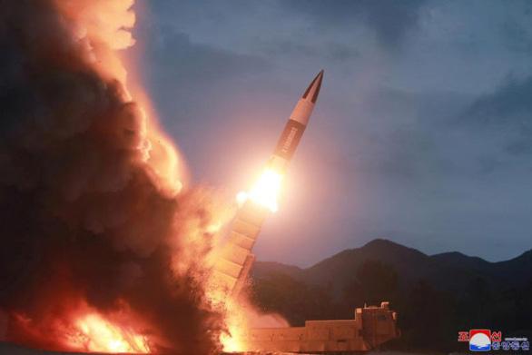 Triều Tiên cảnh báo Mỹ: triển khai tên lửa tầm trung là hành động liều lĩnh - Ảnh 1.