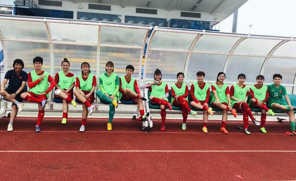 Tuyển nữ Việt Nam hạ Campuchia 10-0 ở trận mở màn Đông Nam Á 2019 - Ảnh 3.