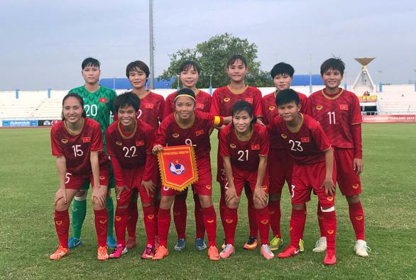 Tuyển nữ Việt Nam hạ Campuchia 10-0 ở trận mở màn Đông Nam Á 2019 - Ảnh 1.