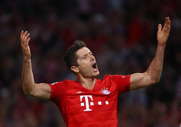 VAR và Lewandowski giúp Bayern Munich thoát thua trước Hertha Berlin - Ảnh 1.