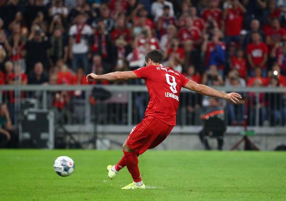 VAR và Lewandowski giúp Bayern Munich thoát thua trước Hertha Berlin - Ảnh 4.