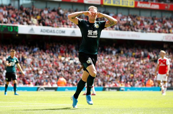 'Song sát' Aubameyang - Lacazette giúp Arsenal thắng trận thứ hai liên tiếp - Ảnh 2.