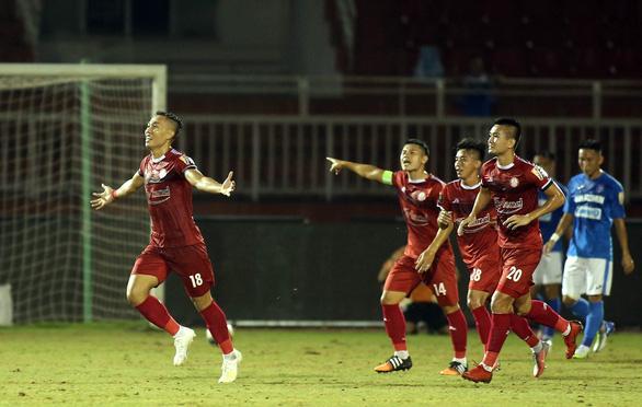 Thắng Than Quảng Ninh, CLB TP.HCM vẫn khó đua vô địch với Hà Nội - Ảnh 1.