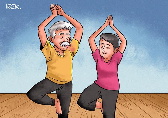 Nhờ yoga, thiền, ba tôi giã từ kiếp lưu linh - Ảnh 1.