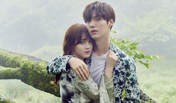 Trong tâm bão ly hôn chồng trẻ, Goo Hye Sun nhập viện cắt khối u lành tính  - Ảnh 2.
