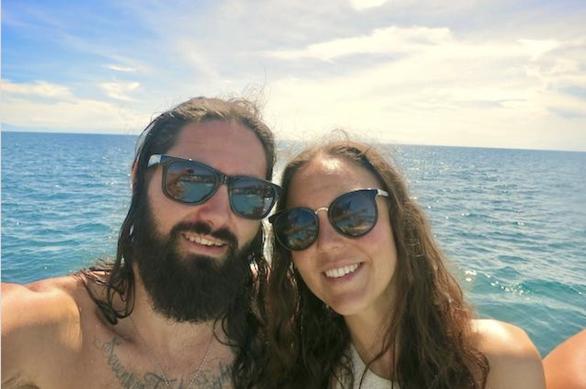 Cặp đôi tiết kiệm 63.000 USD trong khi chu du khắp thế giới - Ảnh 1.