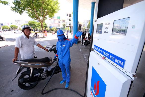 PVN lên tiếng về chất lượng nhà máy lọc dầu trước nghi án xăng giả - Ảnh 1.