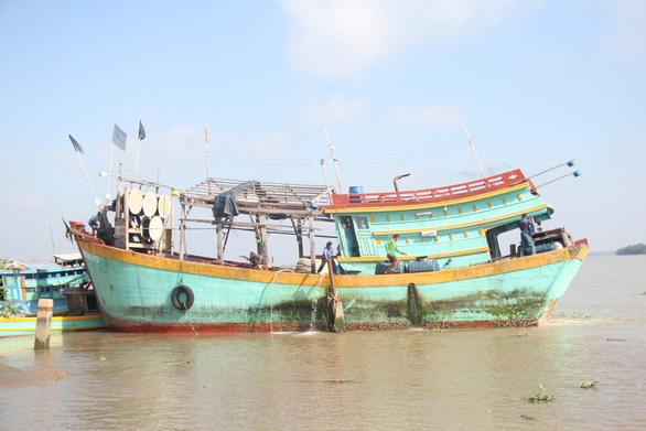 Ngư dân Việt Nam kể chuyện cứu 22 thuyền viên Philippines bị tàu Trung Quốc đâm - Ảnh 4.