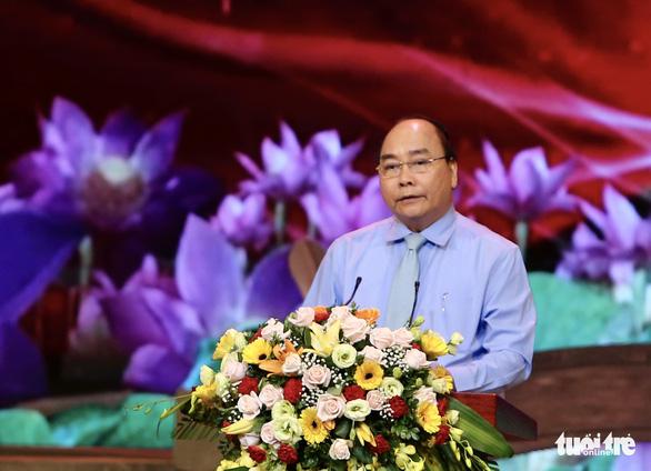 Thủ tướng: Học tập, làm theo Bác là nhiệm vụ quan trọng, thường xuyên, lâu dài - Ảnh 1.