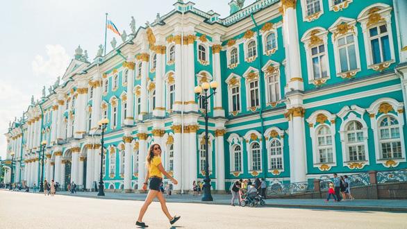 Người Nga bắt đầu ngán du khách Trung Quốc vì kém văn minh - Ảnh 2.
