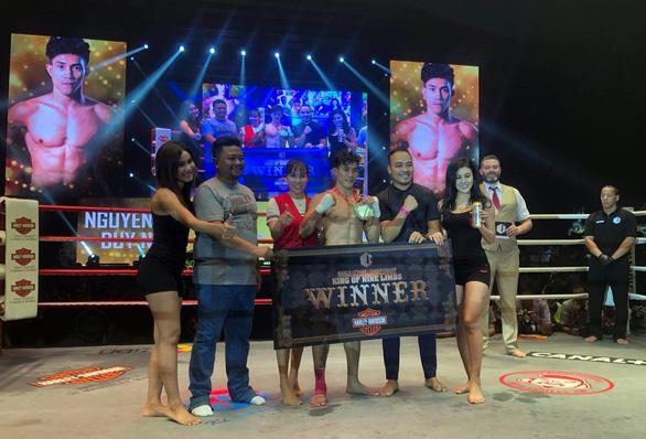 Thua giải Muay thế giới, võ sĩ Nguyễn Trần Duy Nhất thắng ở giải chuyên nghiệp - Ảnh 1.