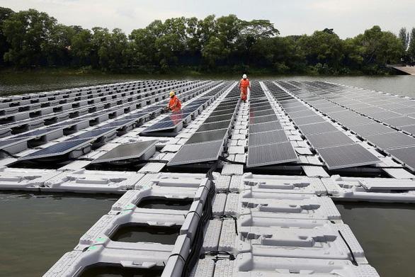 Singapore kêu gọi doanh nghiệp Việt đầu tư vào điện mặt trời nổi - Ảnh 2.