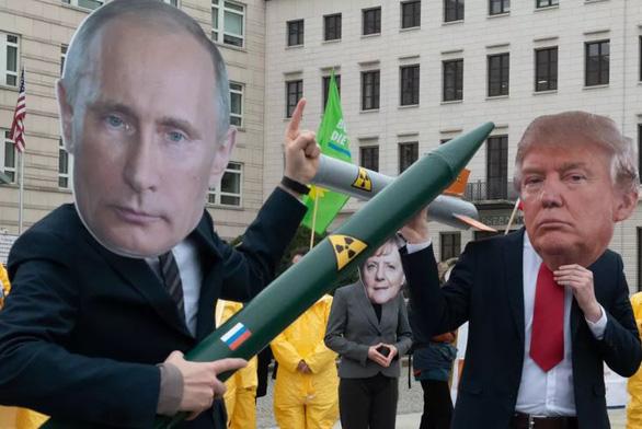 Mỹ - Nga chính thức chấm dứt hiệp ước kiểm soát vũ khí hạt nhân - Ảnh 1.