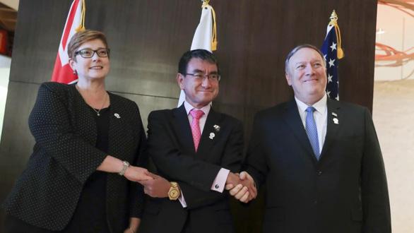 Mỹ - Nhật - Úc lên án hành vi cản trở khai thác dầu khí ở Biển Đông - Ảnh 1.