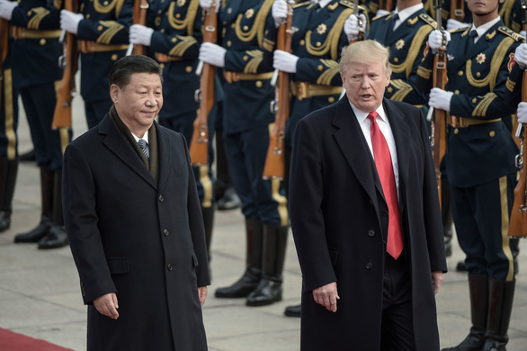 Chứng khoán châu Á lao dốc sau tuyên bố áp thuế mới lên hàng Trung Quốc - Ảnh 1.