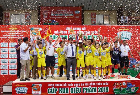Xuân Trường lập cú đúp, Sông Lam Nghệ An vô địch Giải bóng đá nhi đồng toàn quốc - Ảnh 1.