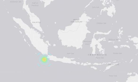 Động đất làm rung chuyển Indonesia, cảnh báo sóng thần cao 3m - Ảnh 2.