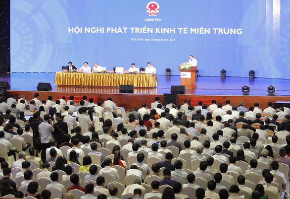 Thủ tướng: Miền Trung phải xác định phát triển ngay bây giờ hoặc không bao giờ - Ảnh 1.