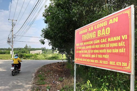 Không có khu dân cư ôm sân bay như Tân Sơn Nhất - Ảnh 1.