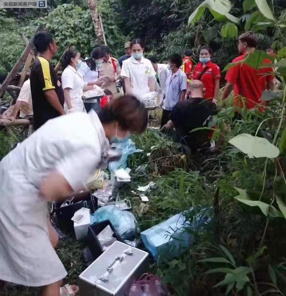 Xe chở du khách Trung Quốc gặp nạn ở Lào, ít nhất 13 người chết - Ảnh 2.