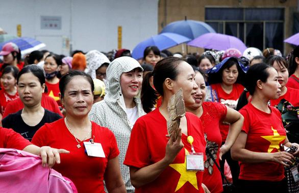 Hơn 2.000 công nhân làm việc trở lại sau vụ ban giám đốc mất tích - Ảnh 1.