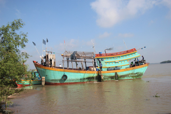Khen thưởng 9 thuyền viên cứu nạn 22 ngư dân Philippines - Ảnh 2.
