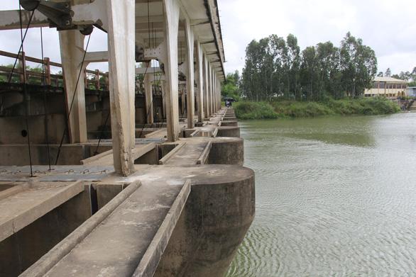 Sông nhiễm mặn nghiêm trọng, nhiều nơi tại Đà Nẵng lại mất nước - Ảnh 2.