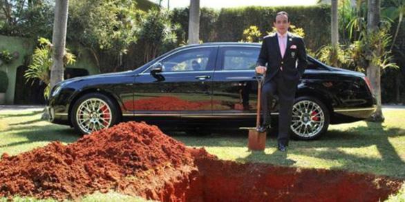 Chôn xe Bentley và thông điệp của tỉ phú Brazil - Ảnh 1.