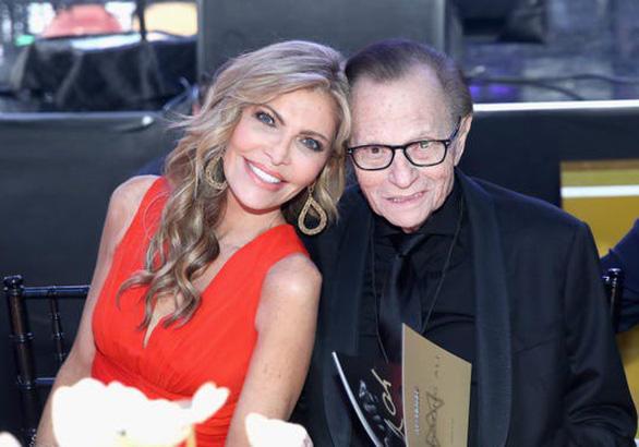 Vua truyền hình Larry King qua đời ở tuổi 87 - Ảnh 4.