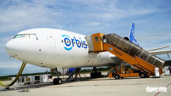 Bệnh viện bay Orbis lần thứ 2 trở lại Huế - Ảnh 1.
