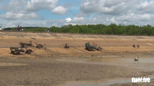 Nghịch lý ở Đắk Lắk: Hơn 1.000ha cây trồng chết khát trong khi nhiều khu vực ngập lụt - Ảnh 8.
