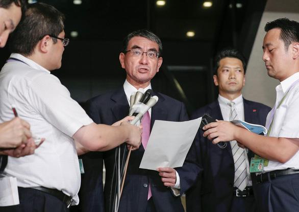 Nhật Bản triệu đại sứ Hàn Quốc vì dừng thỏa thuận chia sẻ thông tin tình báo - Ảnh 1.
