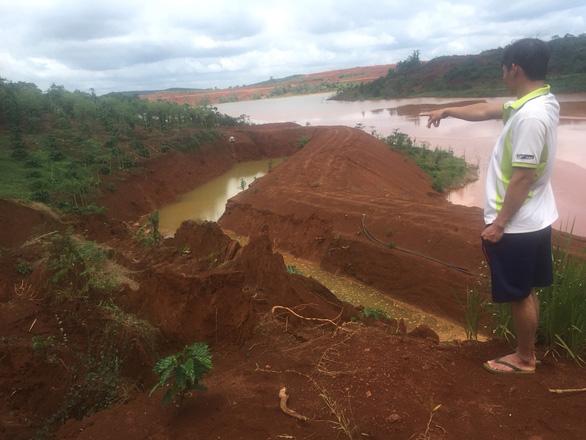 Sạt lở đất ở hồ thải quặng đuôi nhà máy alumin Nhân Cơ - Ảnh 3.