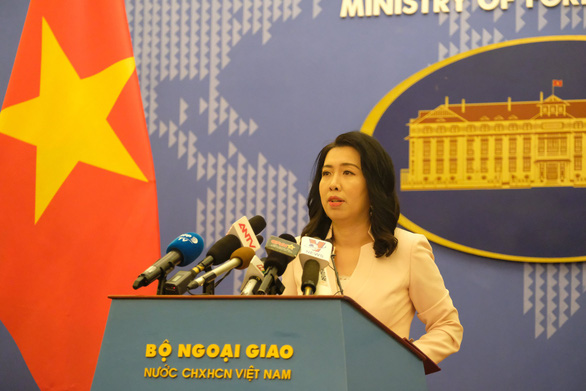 Việt Nam đang xác minh thông tin Trung Quốc triển khai giàn khoan 982 ở Biển Đông - Ảnh 1.