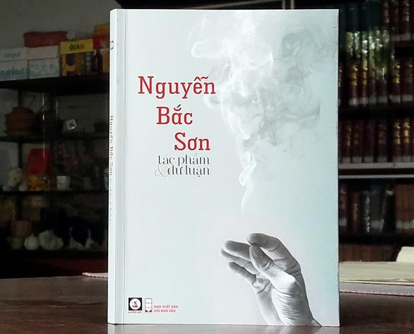 Nguyễn Du cười khóc văn chương lạnh, Thúy Kiều chìm nổi một dòng sông - Ảnh 1.