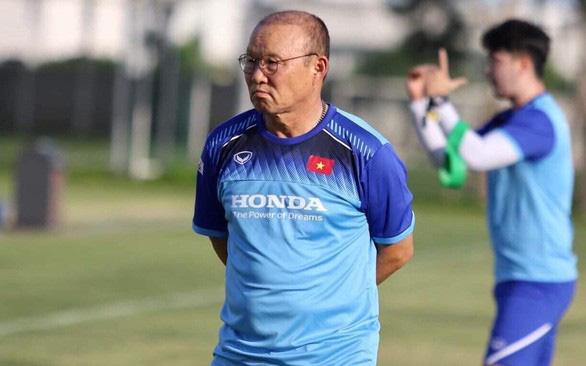 HLV Park Hang Seo: Thật may khi U23 Việt Nam không cùng bảng Hàn Quốc ở VCK U23 châu Á - Ảnh 1.
