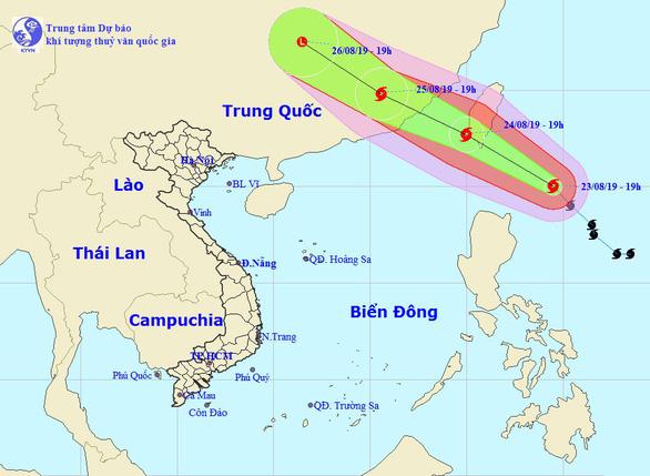 Bão gần Biển Đông hướng về Đài Loan, Trung Bộ mưa lớn đến 25-8 - Ảnh 1.