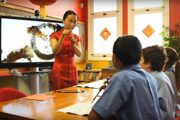 Bang đông dân nhất Úc ngừng dạy tiếng Quan Thoại ở 13 trường công - Ảnh 1.