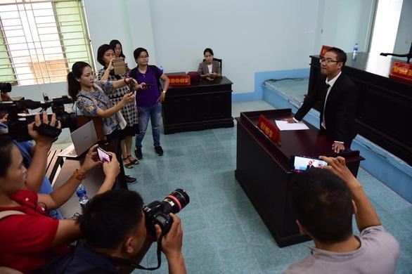 Tòa tuyên ông Nguyễn Hữu Linh 1 năm 6 tháng tù - Ảnh 4.