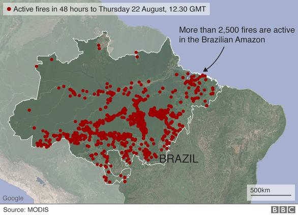 Bang Brazil tối sầm giữa ban ngày, trời trút mưa đen khác thường - Ảnh 3.