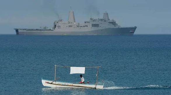 Hải quân Mỹ điều tàu qua eo biển Đài Loan - Ảnh 1.