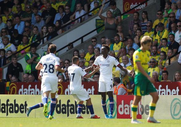 Abraham lập cú đúp, Chelsea chiến thắng đầu tay - Ảnh 1.