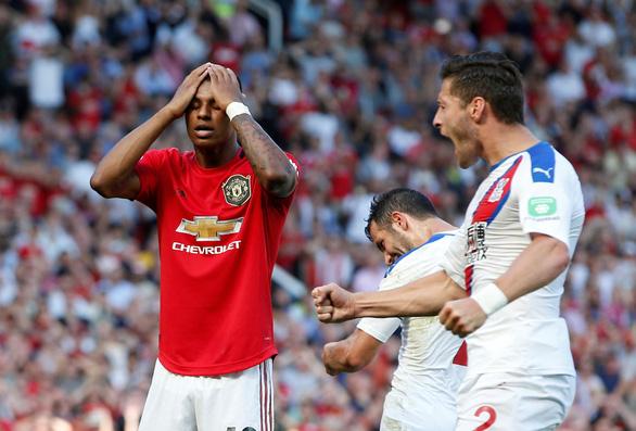 Crystal Palace gây 'sốc', quật ngã M.U tại Old Trafford - Ảnh 2.