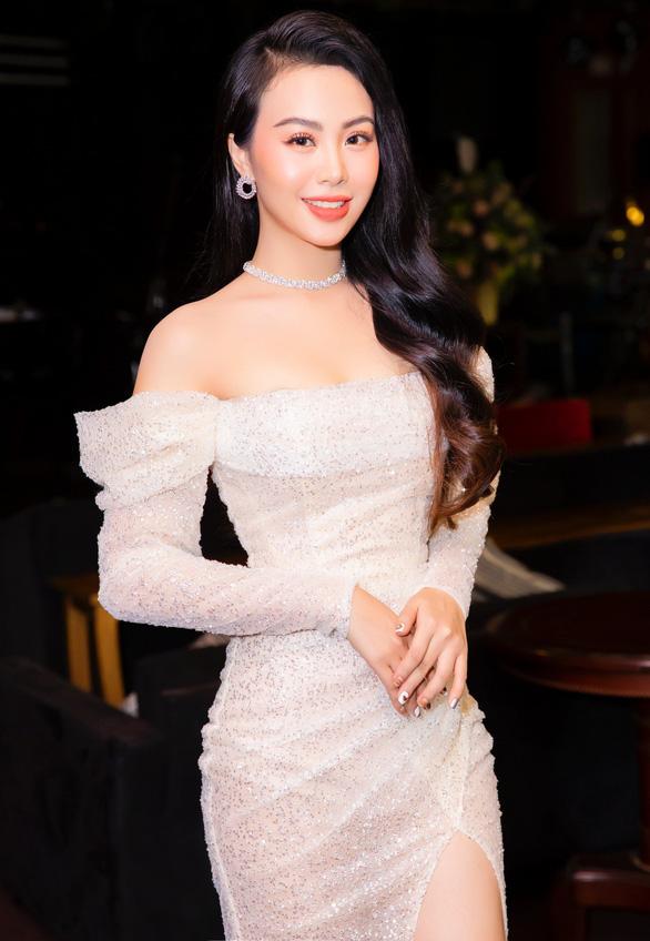Mạnh Quỳnh tặng ca khúc cho Dương Huệ, ủng hộ cô theo nghiệp cầm ca - Ảnh 1.
