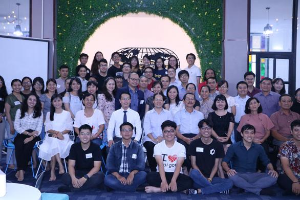 Cựu học sinh Trường THPT Chuyên Trần Đại Nghĩa kết nối để ươm mầm - Ảnh 1.